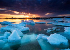 This stunning image of ice flows at South Baymouth is an example of the outstanding photography of Peter Baumgarten. His website is creativeislandphoto.com.