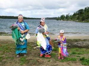 Katrina Manitowabi, Miss Wawaskinaga, Sierra McGregor, Jr. Miss Wawaskinaga and Laila Taibossigai, Little Miss Wawaskinaga. photo by Brianna McGregor