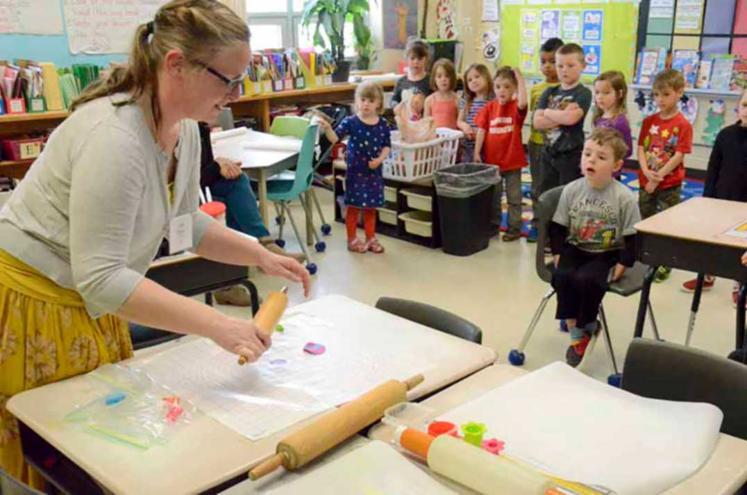 Education For Cake Artist : Central Manitoulin Public School packs an education week punch