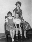 NT-a-young-Loretta-with-Johnny-and-mum-Lillian