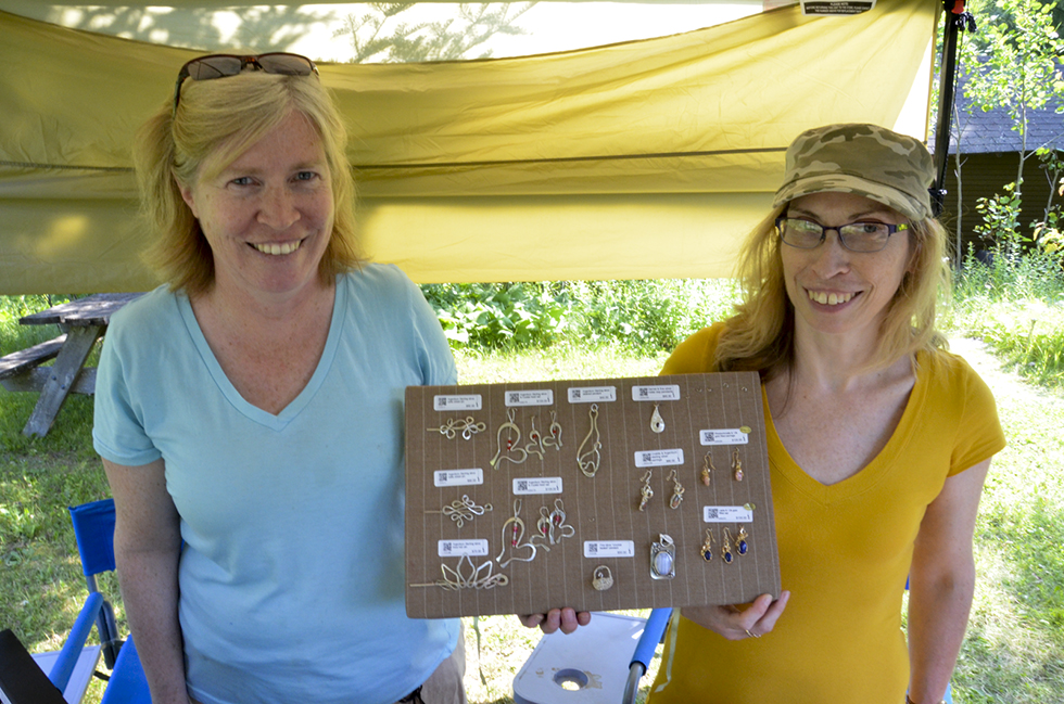 Jewellery artist Gwen Goulet had some great assistance from her sister Ruth Reed at her booth in the festival.